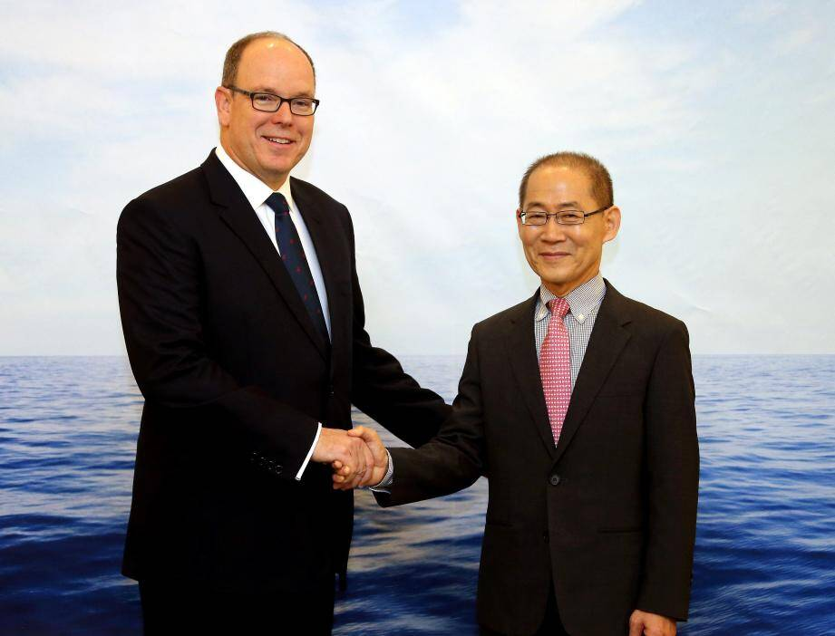 Le souverain a ouvert, hier matin, les journées de travail en compagnie de Lee Hoesung, président du GIEC.