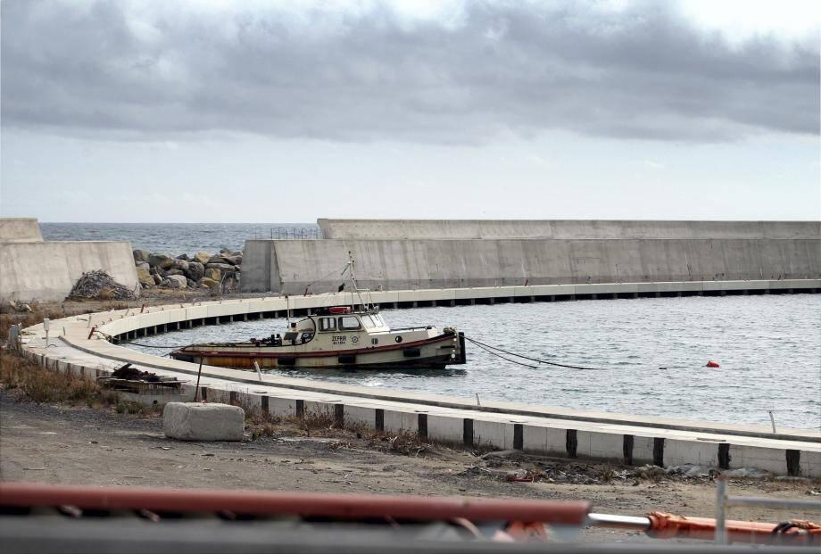 Les travaux d'aménagements du port, à l'entrée de Vintimille, n'ont jamais été achevés.