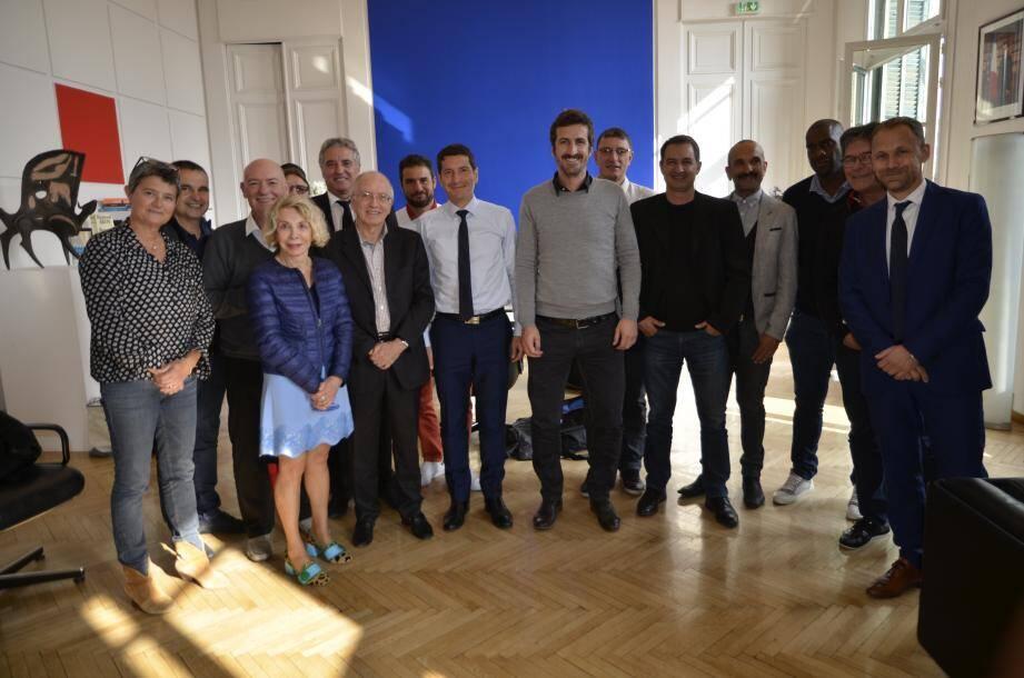 David Lisnard entouré de Johan Micoud, président du directoire et Alain Ramy, président du conseil de surveillance.