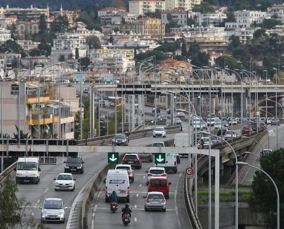 Le trafic routier est la principale source de pollution à Nice. Photo François Vignola