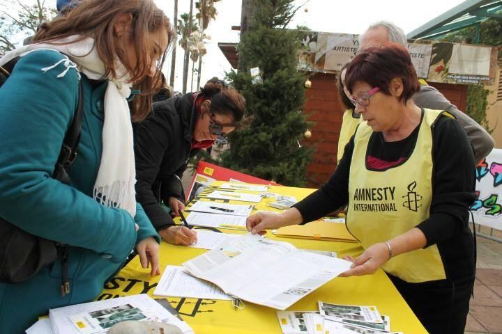 Samedi et dimanche, l'antenne d'Amnesty International a recueilli des signatures dans le cadre de la campagne « 10 jours pour signer » qui soutient des hommes et des femmes, dont les droits sont violés dans leur pays.