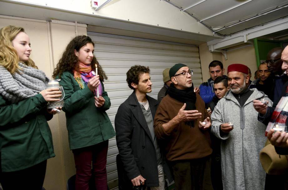 Mustapha Dali, le recteur de la mosquée du Petit-Juas a expliqué aux fidèles la venue d'une délégation porteuse de lumière de la paix de Bethléem.