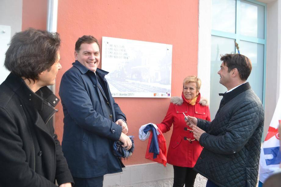 Les élus donnent rendez-vous aux usagers le 11 décembre pour la réouverture de la gare.