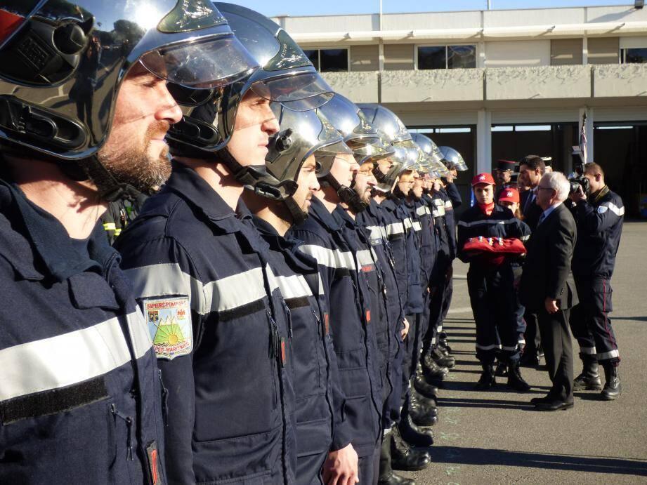 Les sapeurs-pompiers Antibois ont été récompensés par le maire, en fin de semaine dernière, lors de la célébration de la Sainte-Barbe au sein de leur caserne.