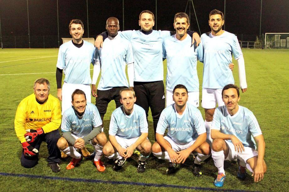L'équipe de foot à 7 de la Barclays remporte son premier match de la saison  aux dépens du Musée océanographique.