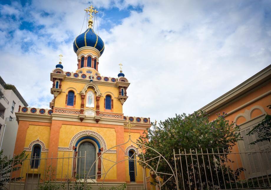 L'église russe de Menton a retrouvé ses couleurs originelles.
