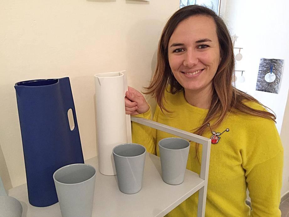 Cléo Joffre, une jeune designer céramiste qui a choisi de travailler en plein cœur de la vieille ville.