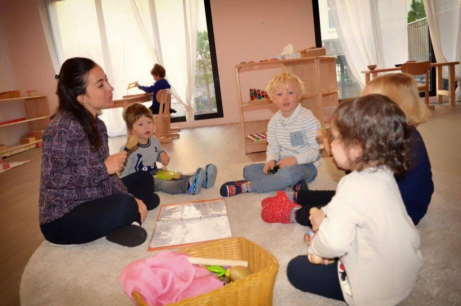 Dans les salles de classes, adaptées pour les enfants de 18 mois à six ans,  l'éducation se base sur les principes de la philosophie Montessori. (DR)