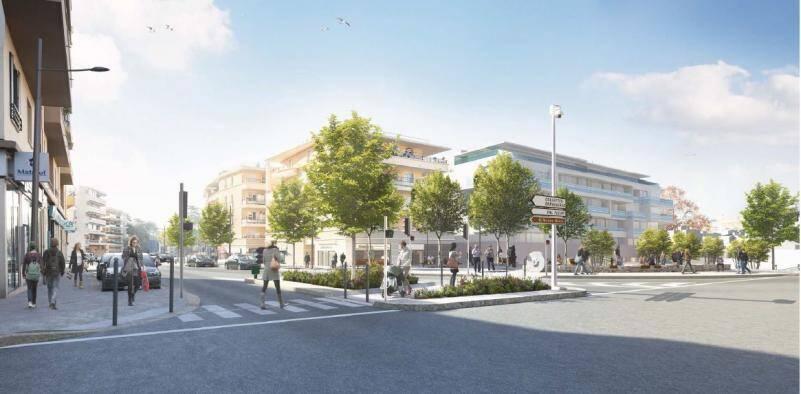 Le carrefour Besset/Renoir/Tuilières et en fond le futur hôtel quatre étoiles.