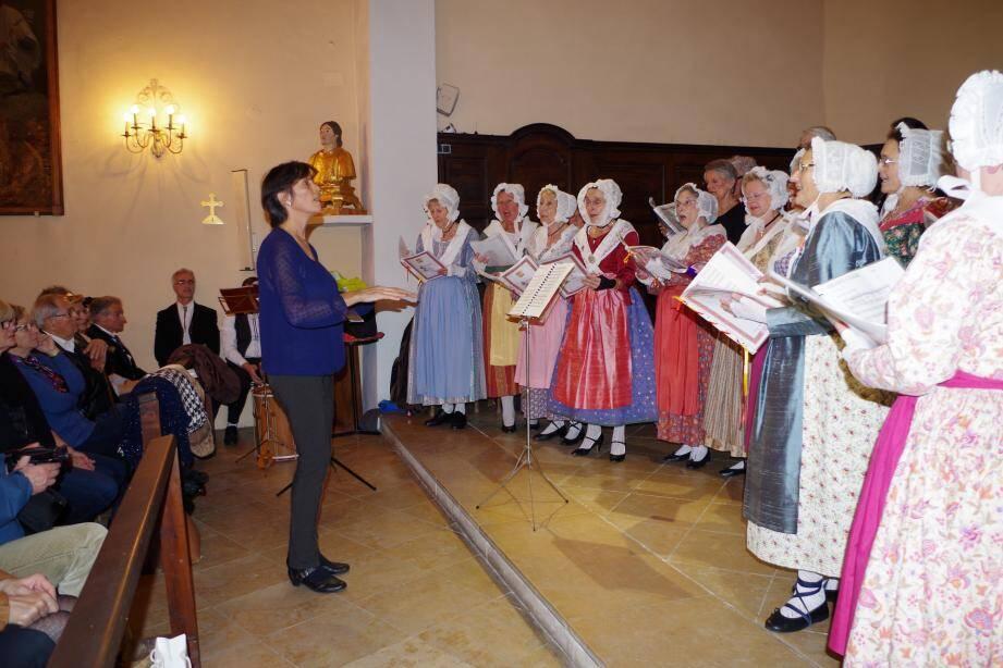 Le groupe traditionnel Leï Masco a entonné les chants traditionnels.