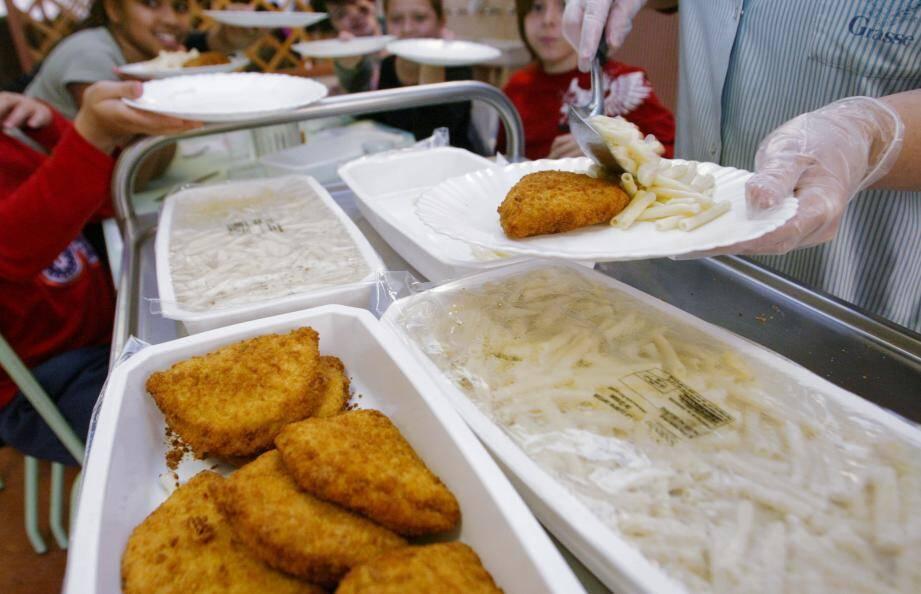 La restauration scolaire fait partie des DSP sur lesquelles le contrôle de gestion pourrait aboutir à des économies pour la Ville.