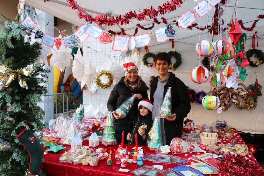 Les enfants de l'école Sartoux ont fabriqué des décorations de Noël.