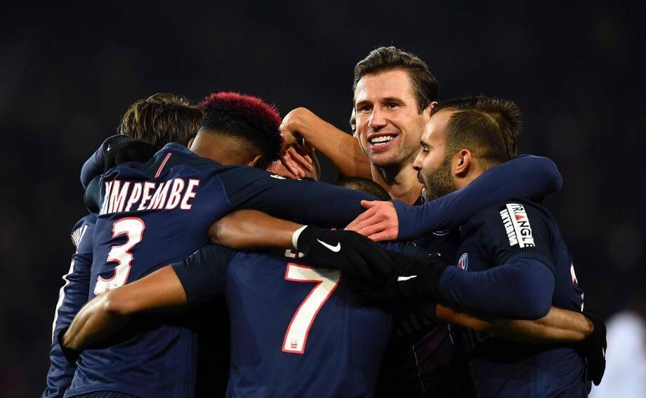 Le PSG, dont nombre de cadres ont débuté sur le banc, a eu besoin de 43' pour prendre la mesure de Lille, avant de dérouler en seconde période.