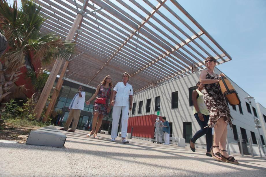 L'hôpital d'Antibes n'accueillera pas les services transférés de Nice.