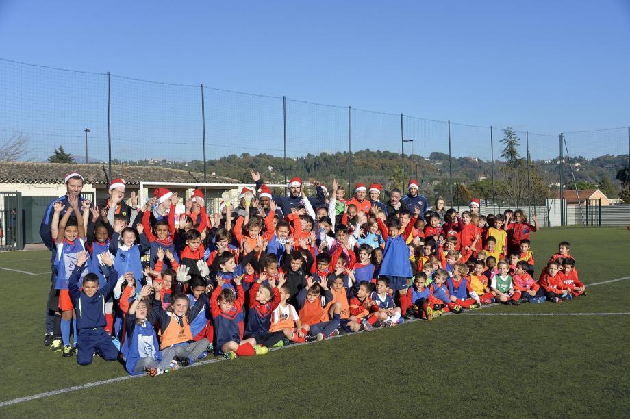 Les jeunes de l'école de football du RC Grasse ont passé une super après-midi mercredi à La Paoute lors du Noël du club.