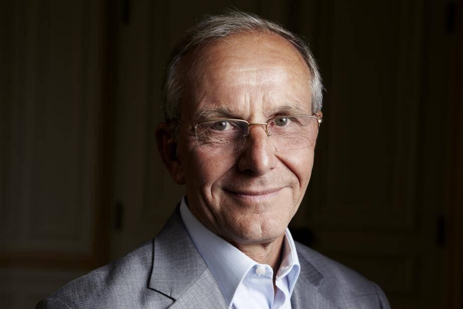 Axel Kahn, directeur de recherche avec d'autres philosophes et chercheurs de renom participera à ces débats