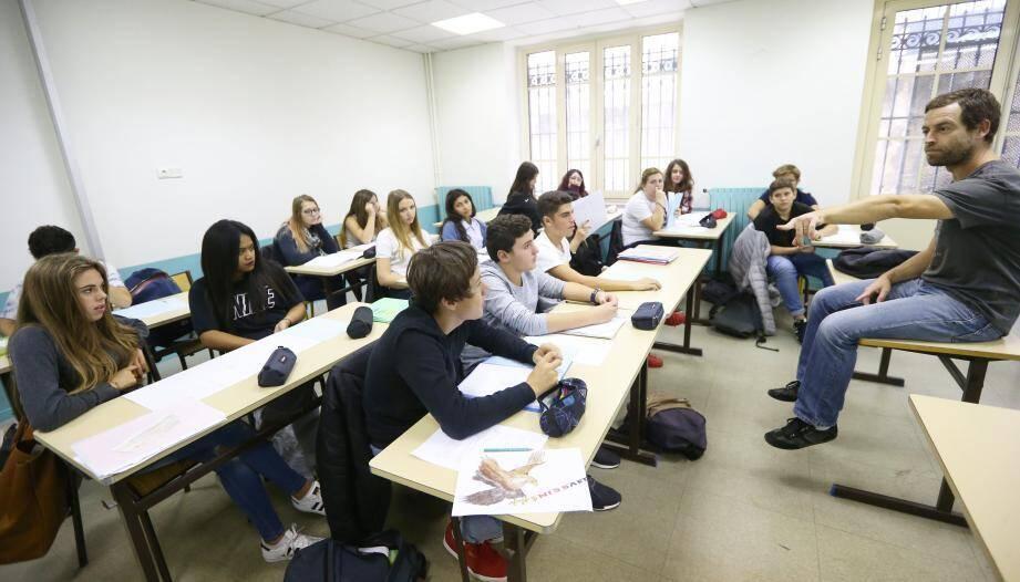 L'académie de Nice va également bénéficier de la création de 27 postes  supplémentaires de personnels éducatifs.