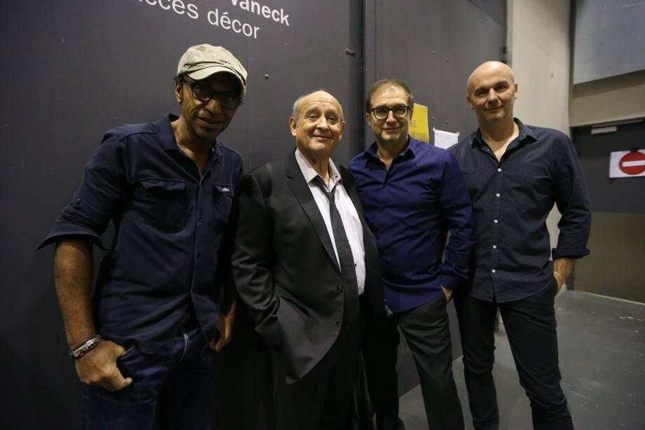Manu Katché, Michel Jonasz, Jean-Yves d'Angelo et Jerôme Regard, hier soir, quelques instants avant de monter sur la scène d'Anthéa.