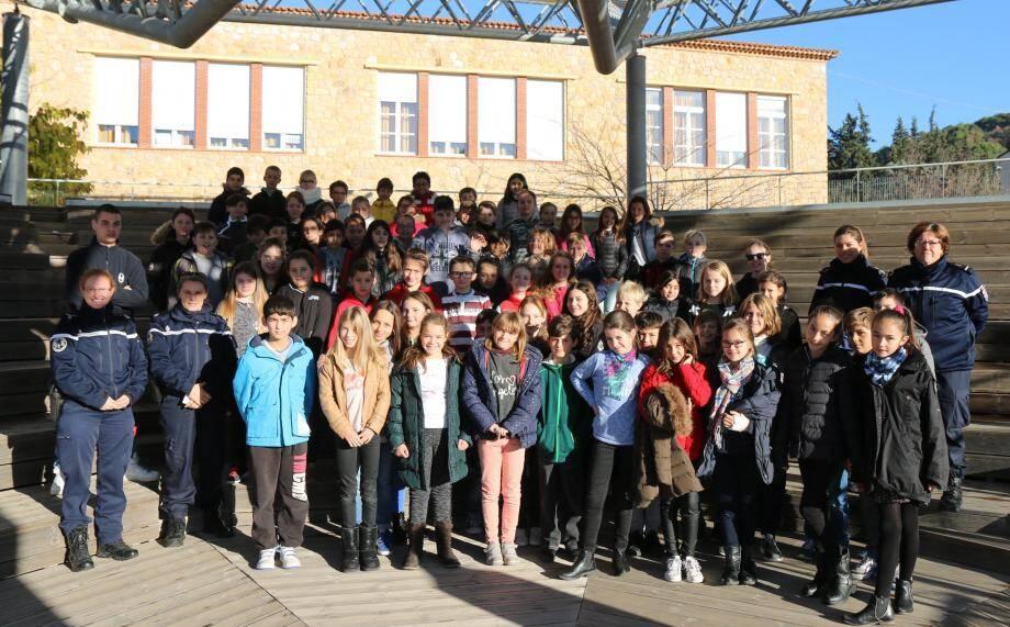 Les élèves de Campouns lors de la remise du « Permis Internet ».