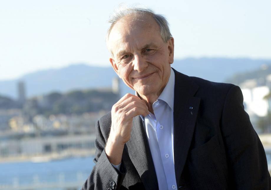 «La crise de confiance fait partie de la crise de l'avenir» selon Axel Kahn.