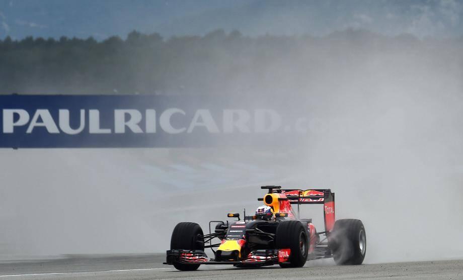 Deux millions d'euros seront investis dans l'amélioration des pistes du circuit Paul-Ricard du Castellet, pour permettre le retour de la Formule 1.