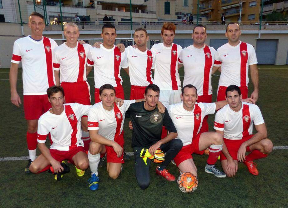 L'équipe des Pompiers de Monaco n'a jamais lâché face à La Poste (4-4).
