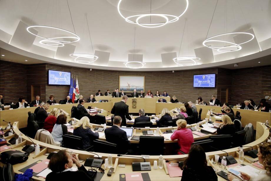 Gros dossier du conseil municipal hier : le débat d'orientation budgétaire.