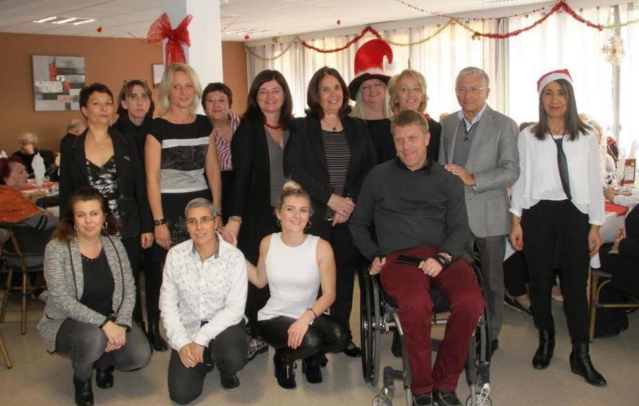 Florence Romium, Suzanne Blondeau - Menache (conseillères municipales) et Machteld Barbieri (directrice Proxi seniors) étaient présents.