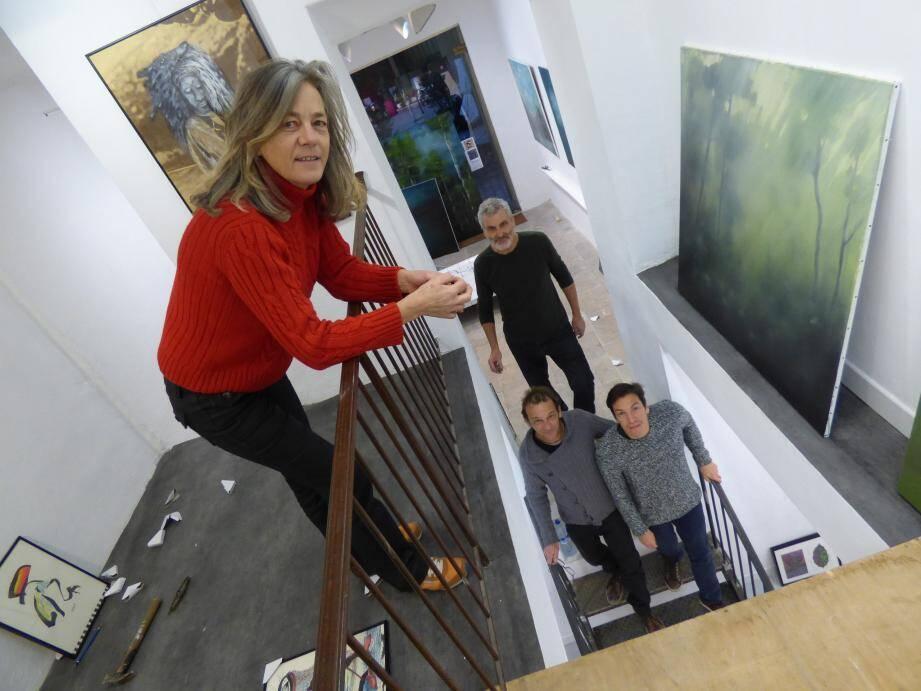 En compagie de Stéphane Averty, trois des artistes exposés : Marysia Milewski, Hubert Weibel et Sébastien Ardouin-Dumazet.
