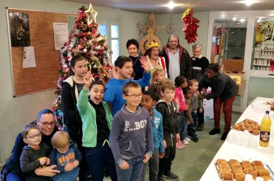 Parents et enfants s'étaient donnés rendez-vous pour fêter la fin de l'année scolaire.