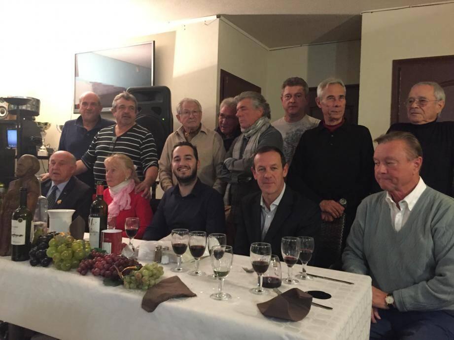 Les membres de la Confrérie de l'étiquette ont fait un beau voyage gustatif avec les vins issus de cinq continents !
