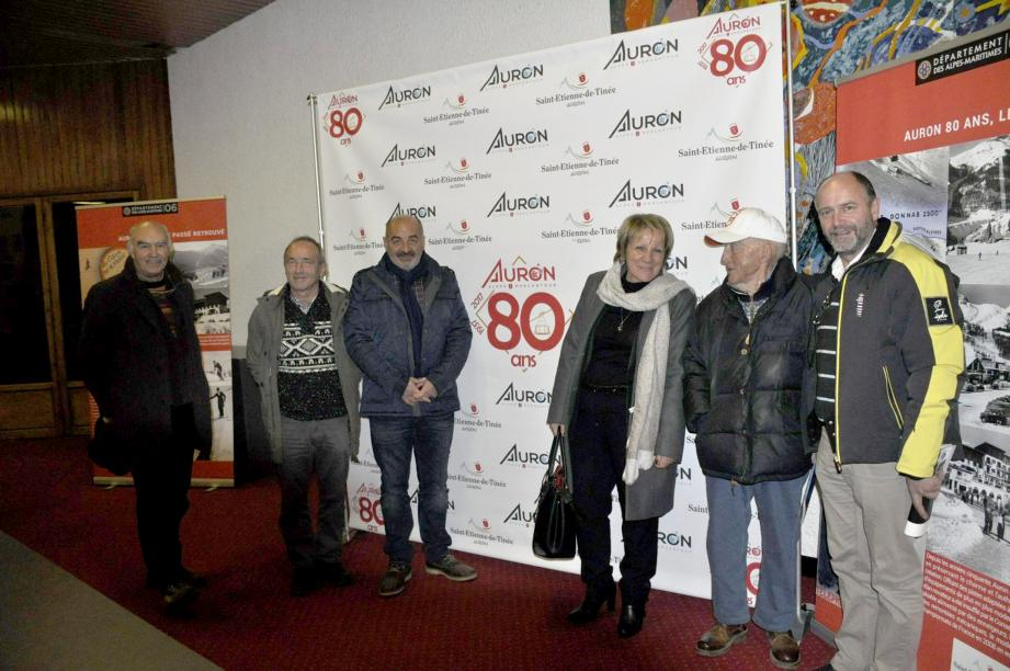 Les élus et Titou Murris (avec la casquette) « parrain des 80 ans ».