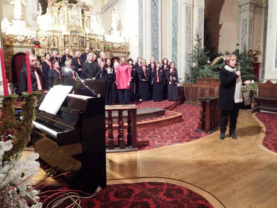 Le maire, Colette Fabron, a remercié l'ensemble de la chorale, son président, Maurice Faure ; Fabienne Vergé, chef de cœur ; Catherine Naget, Frédéric Chauvel notamment pour leur brillante interprétation.