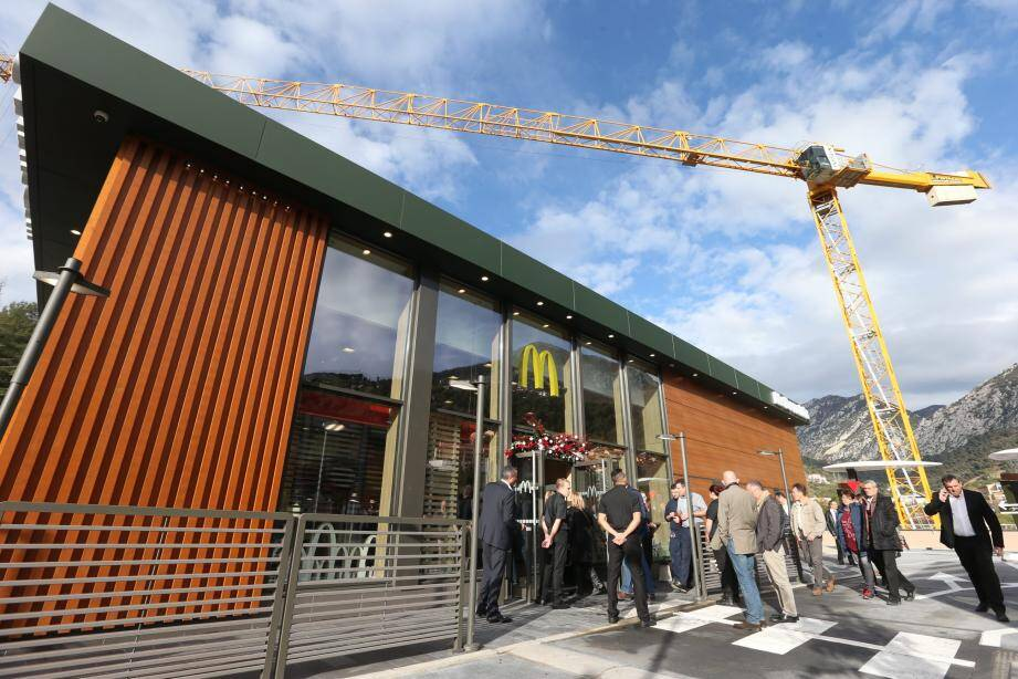 Le chantier, démarré en août 2016, aura duré quatre mois. L'enseigne de fast-food sera ouvert sept jours  sur sept.