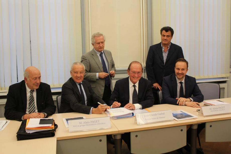 Le bail à construction, signé hier par le député-maire Jean-Claude Guibal, ainsi que par Alain et Alexis Paget, du groupe Progereal-Finareal, engage les deux parties sur 70 ans.