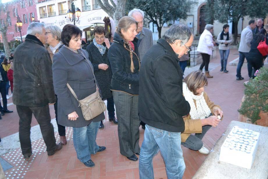 Les mouansois ont montré leur compassion et leur solidarité envers les victimes.