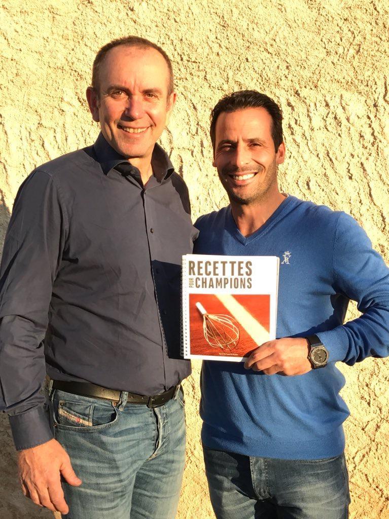 Dr Philippe Kuentz et Ludovic Giuly, ancien pro de l'AS Monaco et du FC Barcelone.