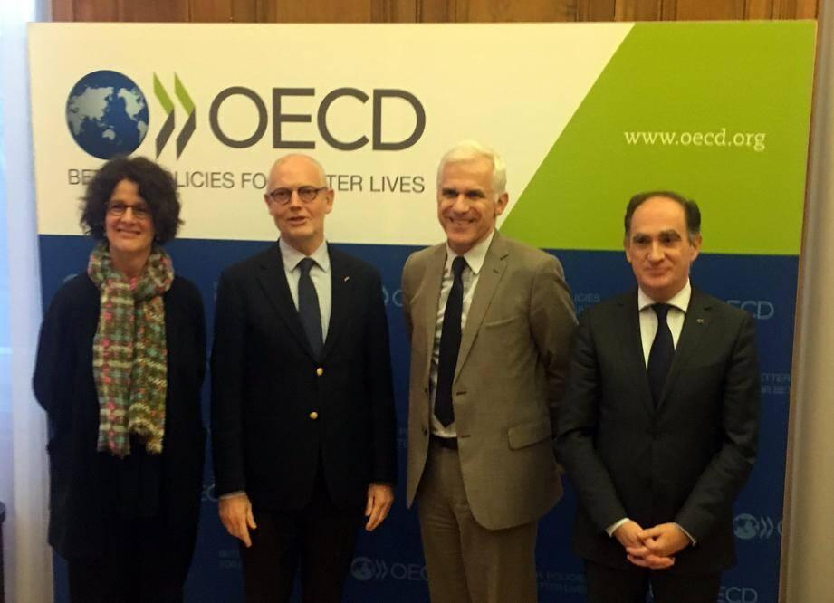 À Paris, la semaine dernière, le ministre d'État et le conseiller de gouvernement pour les Finances ont déposé l'instrument de ratification de la convention relative à l'assistance administrative mutuelle en matière fiscale auprès de l'OCDE.
