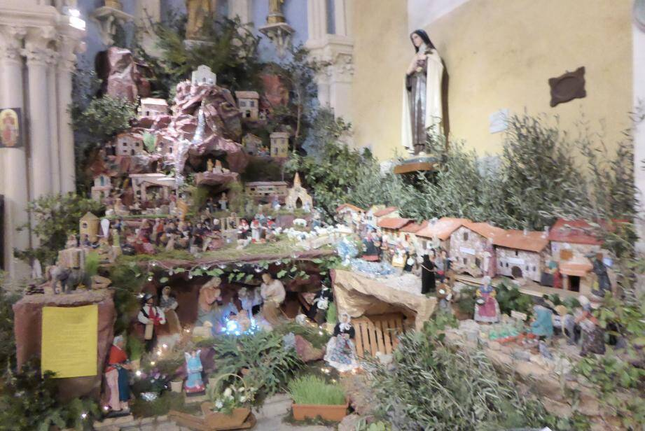 La crèche de Notre-Dame des Victoires est une pure merveille à voir d'urgence avant la fin du mois de janvier.