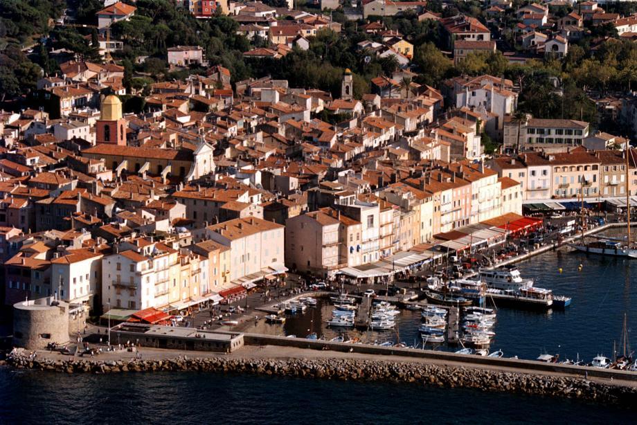 Une vue aérienne de Saint-Tropez (image d'illustration).