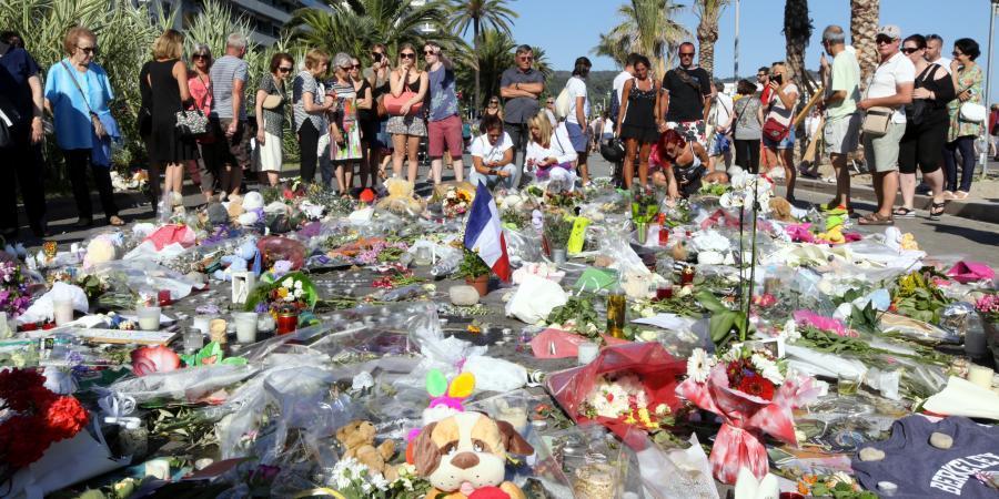 Les victimes sont choquées par les photos que s'apprête à diffuser l'hebdomadaire Paris Match.