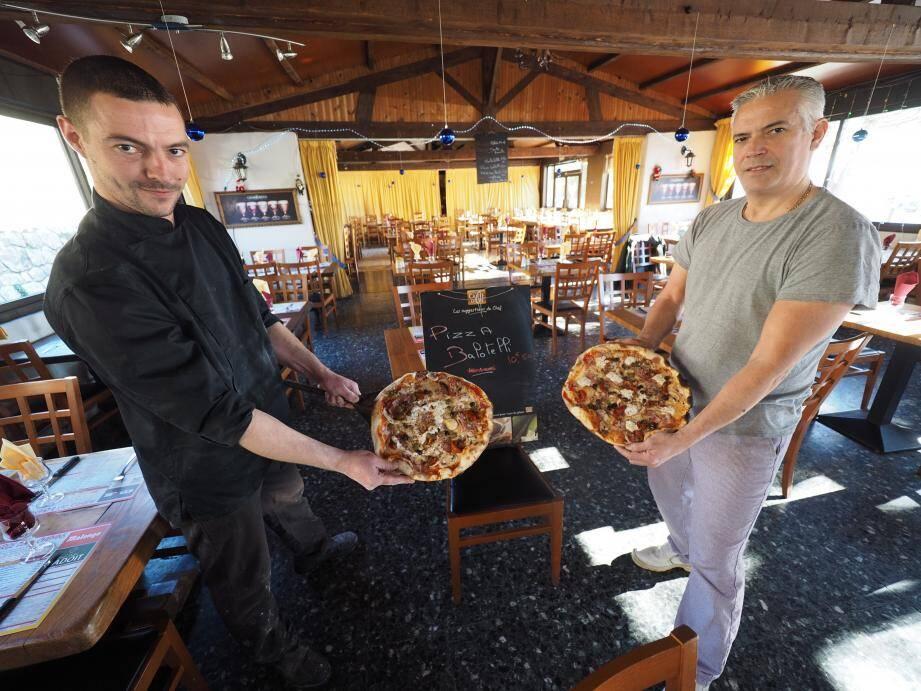 La pizza Balotelli est à déguster à l'auberge des Quatre Chemins, à Saint-Jeannet.
