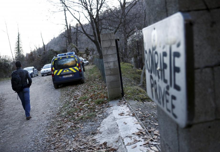 Le drame s'est noué dans une résidence secondaire discrètement aménagée en contrebas de la piste du Cougnas, au fond d'un vallon, à l'écart du village et des regards.