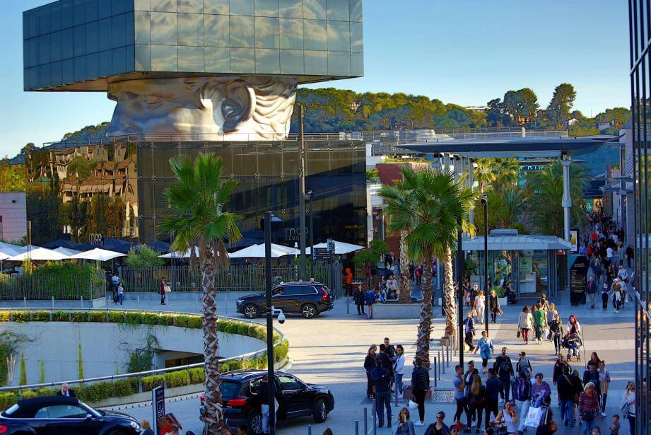 """Le maire de Cannes estime que Polygone Riviera """"ça finira mal"""""""