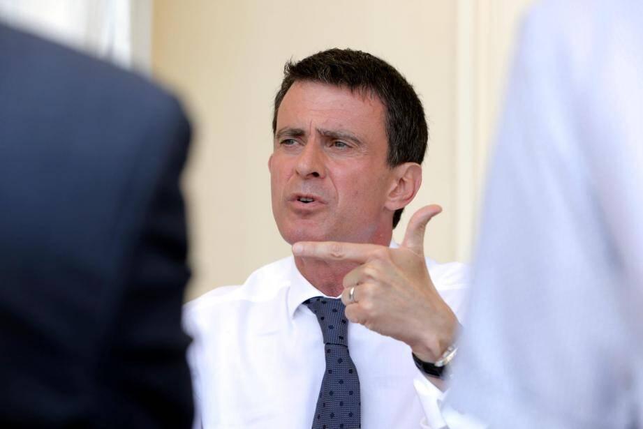 Manuel Valls arrive en tête dans les Alpes-Maritimes