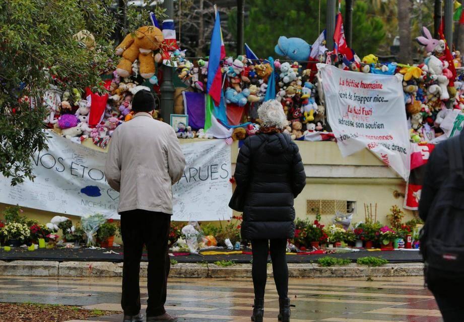 Le parquet avait classé sans suite une enquête sur les conditions de sécurité le soir de l'attentat de Nice le 19 janvier.