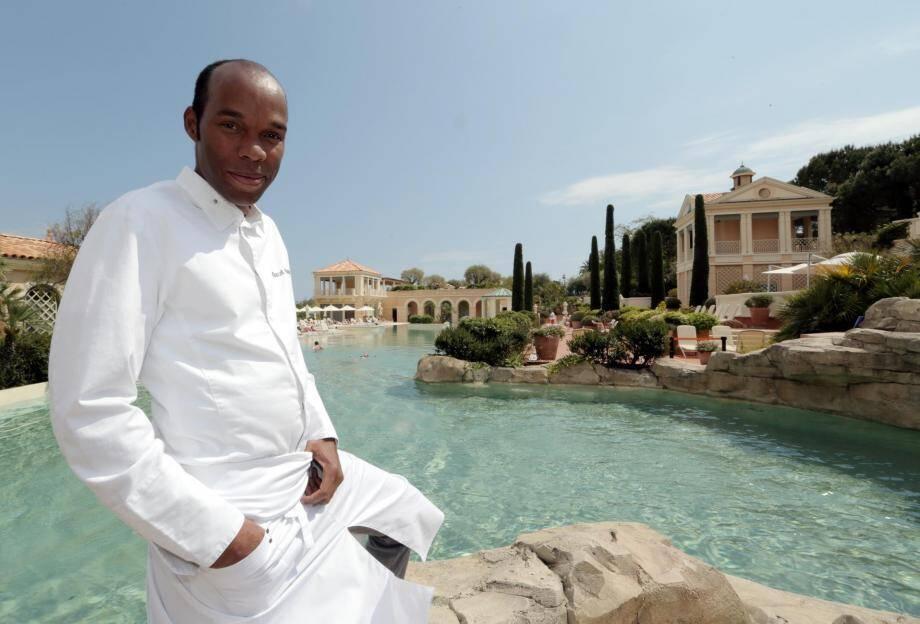 Le chef des cuisines du Monte-Carlo Bay a obtenu cette récompense de l'État français au titre du ministère des Outre-mer.
