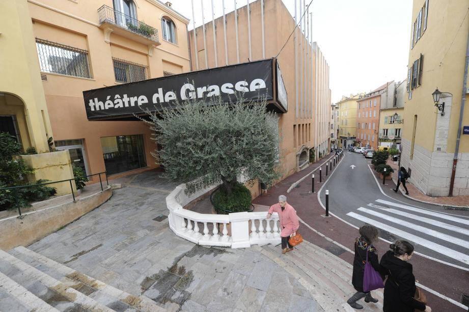 Le Théâtre de Grasse, désormais dans le giron intercommunal, va connaître de nouveaux aménagements.