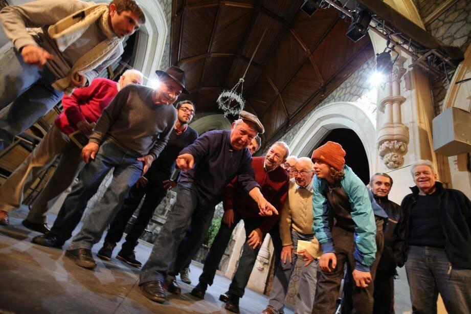 Actuellement, les répétitions de la pastorale ont lieu en l'église anglicane. Avant le grand saut sur la scène du Forum du casino le dimanche 22 janvier.