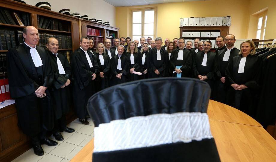 Les juges consulaires du tribunal de commerce.